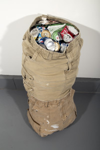 cargo 2014, Shorts, cans, thread